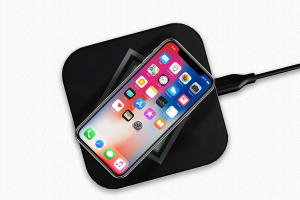 Wireless-Charging-Pad-iphone