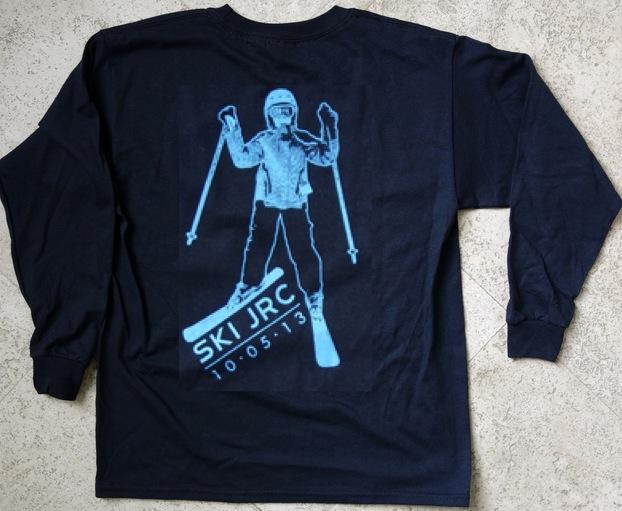 enlarged logo t-shirt